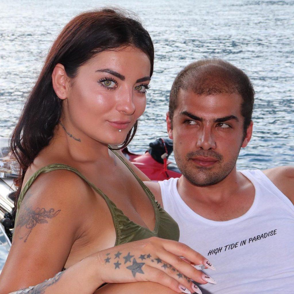 عکس های مسعود ترکیبی با دختران زیبا
