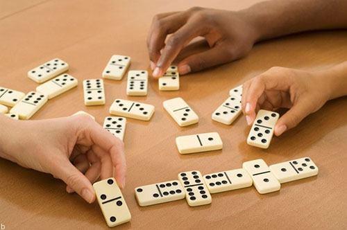آموزش حرفه ای بازی دومینو در سایت شرط بندی و کازینوها