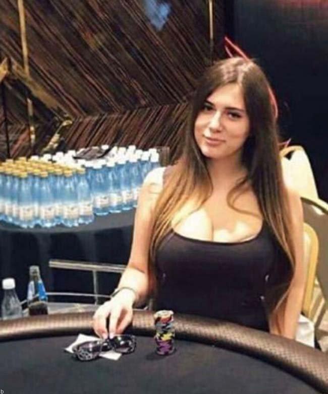 بیوگرافی لیلیا نوویکووا بهترین پوکر باز زن دنیا liliya novikova (+عکس)