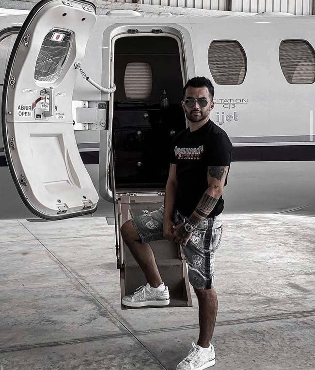 تصاویری از دستگیری نیلی افشار و پویان مختاری در مالدیو (+عکس)