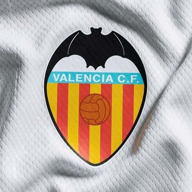 آموزش شرط بندی بر روی تیم والنسیا اسپانیا بهمراه 100 میلیون جوایز نقدی