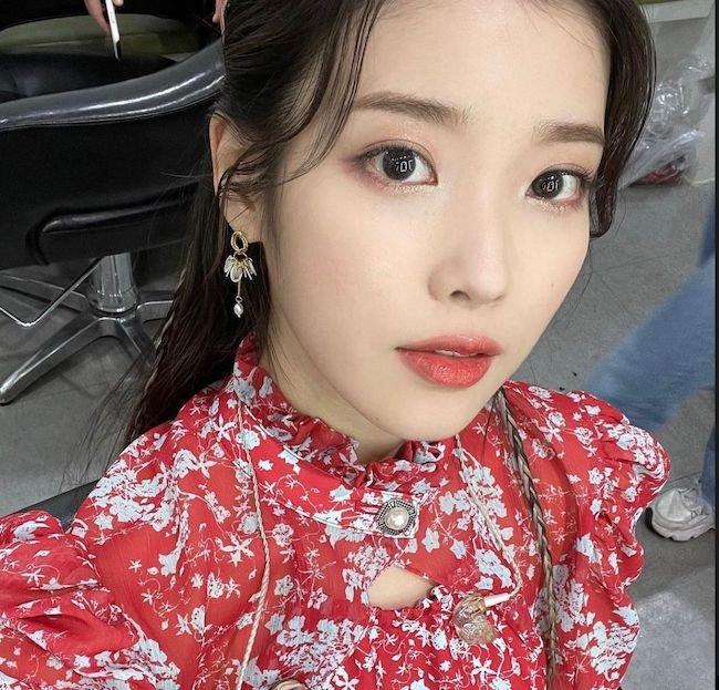 آی یو IU کیست؟ | بیوگرافی خواننده جذاب کره ای به همراه عکس داغ و حواشی او