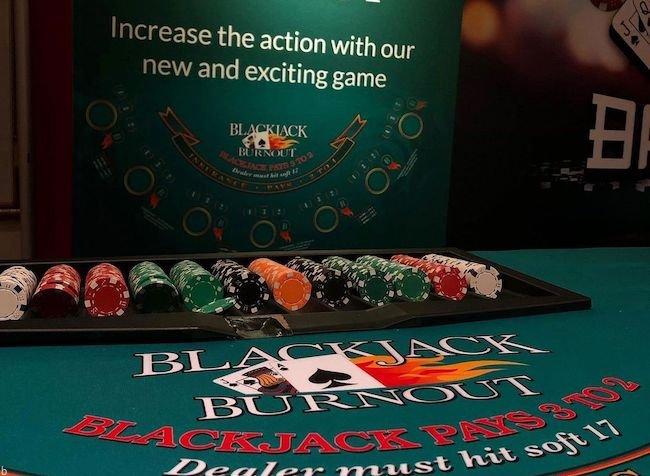 راهنمایی بازی پوکر برن اوت + ترفند و قوانین لازم Poker Burnout
